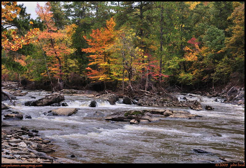 "(1Nov09)  sweetwater creek, downriver from the ruins.  <a href=""http://carpelumen.smugmug.com/gallery/6426286_qkVug/1/408735100_Vq7D8/Medium"">one year ago.</a>  f/8, 1/400s, iso 400."