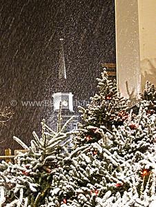 Snowy Easton Peace Candle Dec 2012