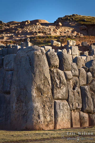 "Largest stone at Saqsaywaman.&nbsp;<br><br><span class=""subcaption"">(They estimate the largest stones in these ruins are up to 200 tons!)</span>"