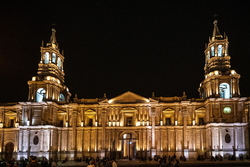Arequipa - Basilica Cathedral - Plaza De Armas-8514.jpg