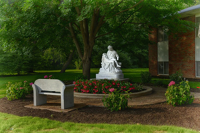 2014-08-11 Pieta - Betty Gray HDR3 3