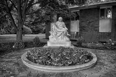2014-08-11 Pieta - Betty Gray HDR2 1a