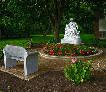 2014-08-11 Pieta - Betty Gray HDR4 1