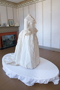 Antiqurian Wedding Dress-0415