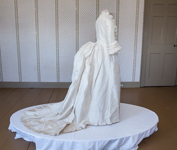 Antiqurian Wedding Dress-0413