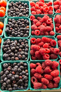 Pike Place Market Fresh Blueberries & Raspberries