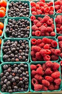 Pike Place Market Fresh Blueberries & Raspberries