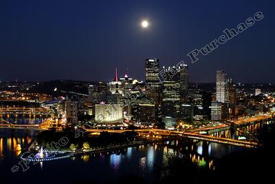 PittsburghDuckMoonRise