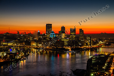 Pittsburgh Sunrise Wednesday December 18, 2018 #Pittsburgh #sunrise #christmas #cityscape #beautifulpittsburgh