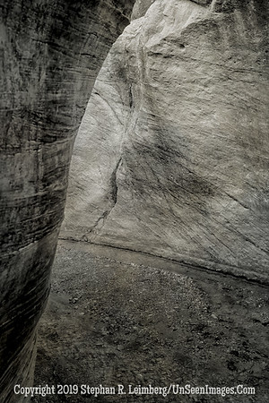 Slot Canyon 3 B&W _H1R5898