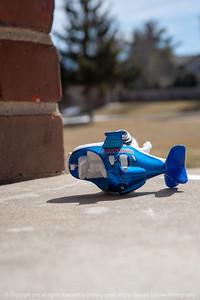 015-toy_airplane-wdsm-16mar19-06x09-009-500-3945