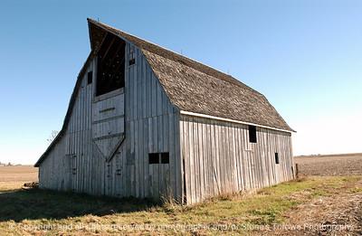 015-barn-waukee-06nov04-cc-5999