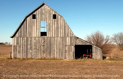 015-barn-waukee-06nov04-c1-5992