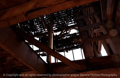 015-barn_detail-van_meter-06nov04-6048