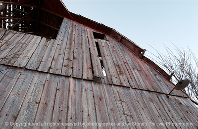 015-barn-van_meter-06nov04-6051