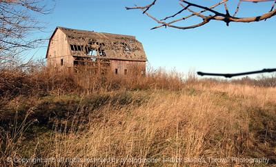 015-barn-van_meter-06nov04-c1-6025