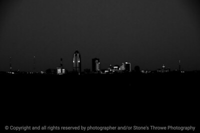 015-cityscape_night-dsm-02jan12-bw-003-2860