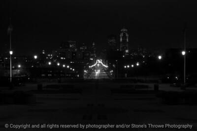 015-cityscape_night-dsm-23jan17-18x12-003-bw-7376