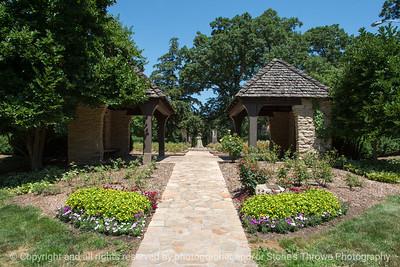 015-garden_path-dsm-14jul17-12x08-007-0268