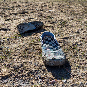 015-shoes_litter-ankeny-21mar21-09x09-006-400-0183