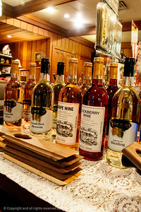 015-wine_display-amana-09nov13-5934