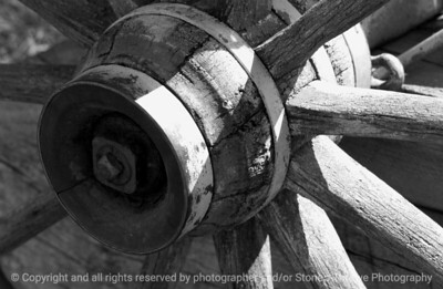 015-wagon_wheel-urbandale-13sep07-bw-0029