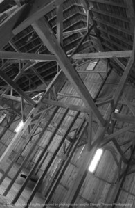 015-barn_interior-urbandale-13sep07-bw-1373