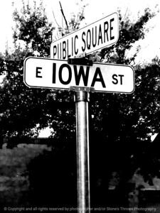 015-sign-winterset-07oct07-09x12-001-bw-1396