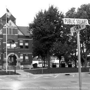 015-sign-winterset-07oct07-09x09-006-bw-1394