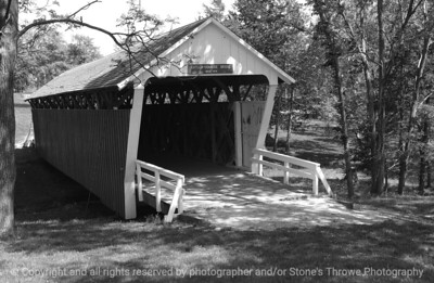 015-cutler_donahoe_bridge-winterset-10may05-bw-7369