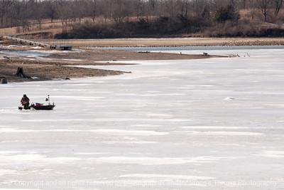 015-ice_fisherman-wdsm-25jan14-003-6346