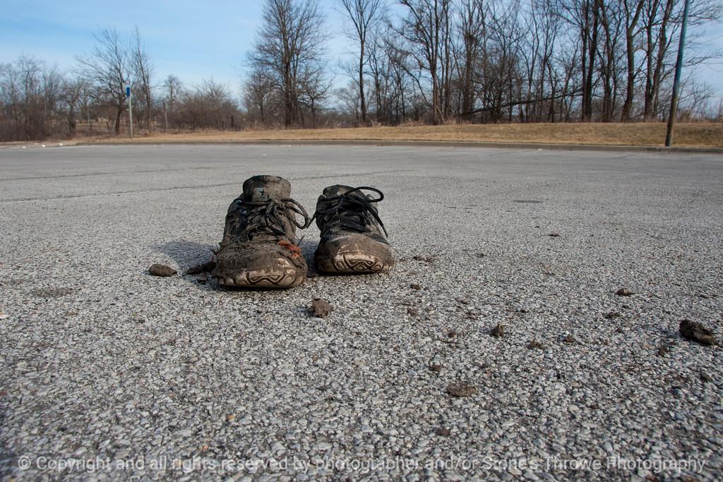 015-shoes-wdsm-15mar15-003-18x12-2230
