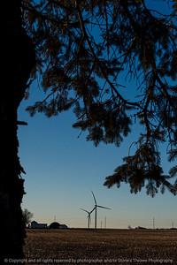 015-wind_turbines-story_co-16dec18-08x12-008-300-9044