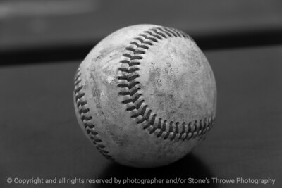 015-baseball-huxley-15aug17-12x008-008-500-bw-0642