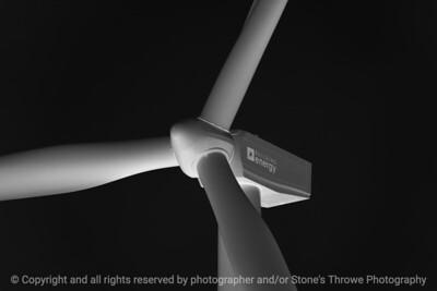 015-wind_turbine-story_co-18sep17-12x08-217-bw-1640