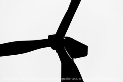 015-wind_turbine-story_co-18sep17-12x08-207-bw- 1640