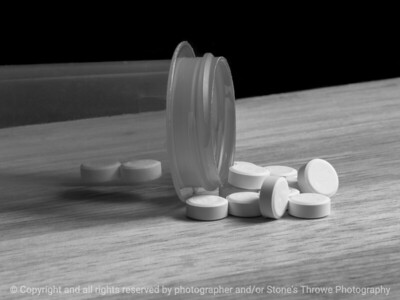 015-pills-wdsm-11jan18-12x09-002-bw-3514