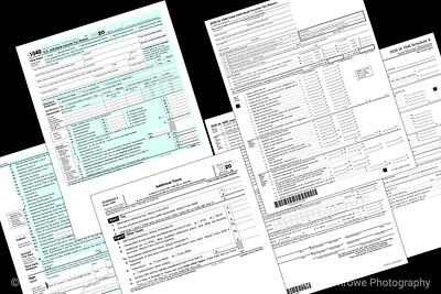 015-tax_forms-studio-26dec20-12x08-208-500-8948