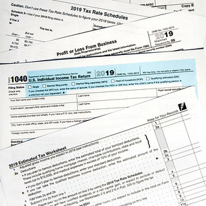 015-tax_forms-studio-23aug19-09x09-006-400-3997