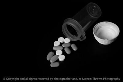 015-pills-wdsm-26oct18-09x06-029-500-bw-3791
