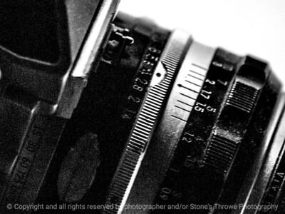 015-lens_detail-wdsm-28apr14-002-bw-1290
