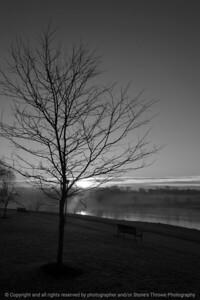 015-sunrise-wdsm-21feb17-12x18-004-bw-7808