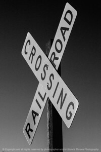 015-sign_rr-wdsm-06may18-08x12-207-bw-4338