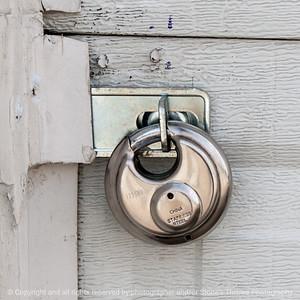 015-padlock-wdsm-04oct16-12x12-006-1344