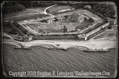 Fort Clinch 3 2014 B&W AGED WITH BORDER  U0U0096