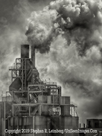 Steam from Paper Plant B&W - Copyright 2015 Steve Leimberg - UnSeenImages Com _M1A5689