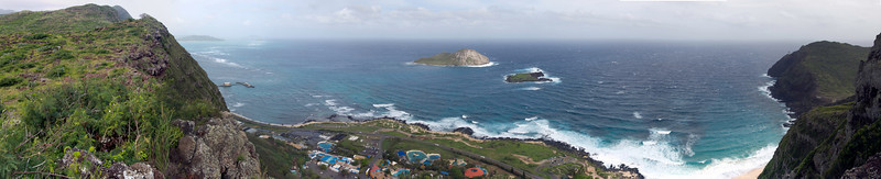 Manana (Rabbit) Island with Sea Life Park in foreground.