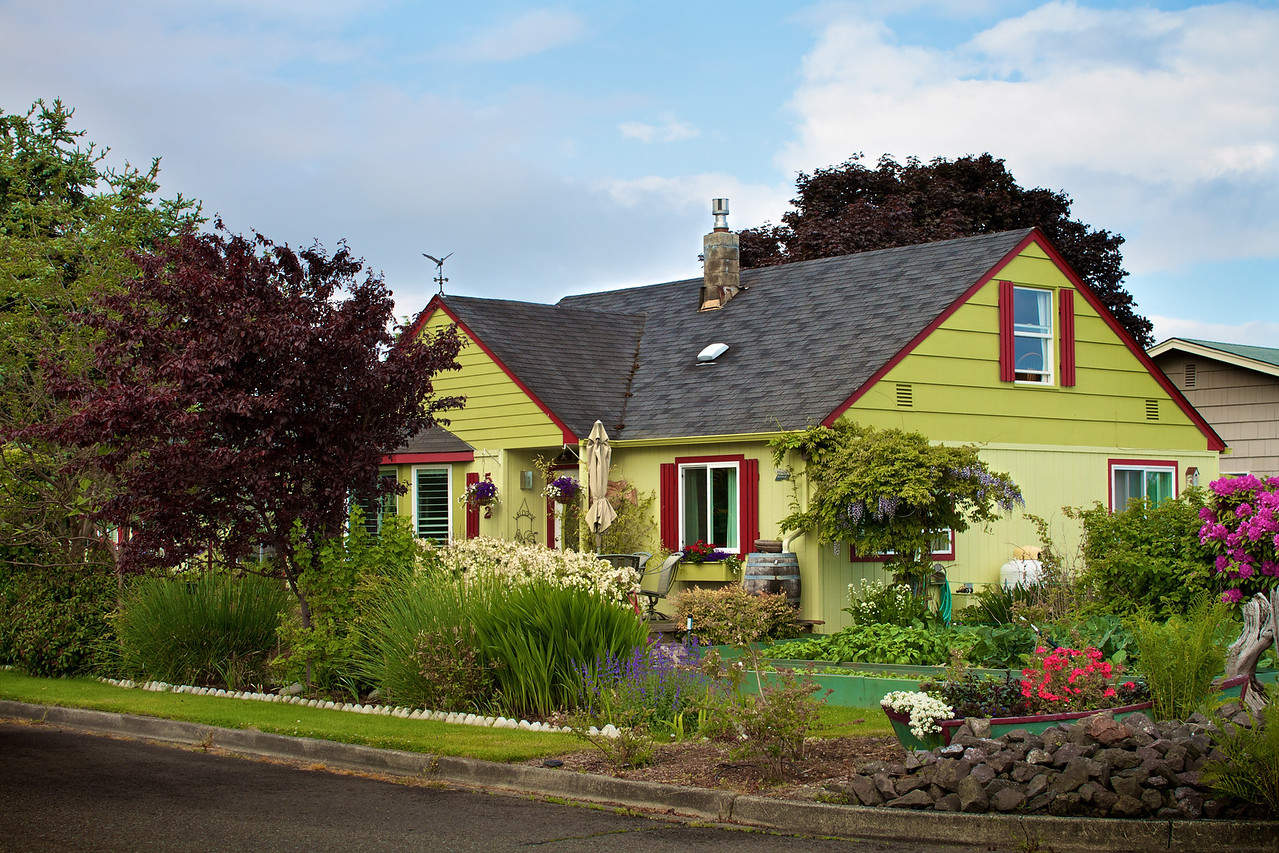 A beautiful cottage type home a few blocks from my Cousin's house in Port Angeles.