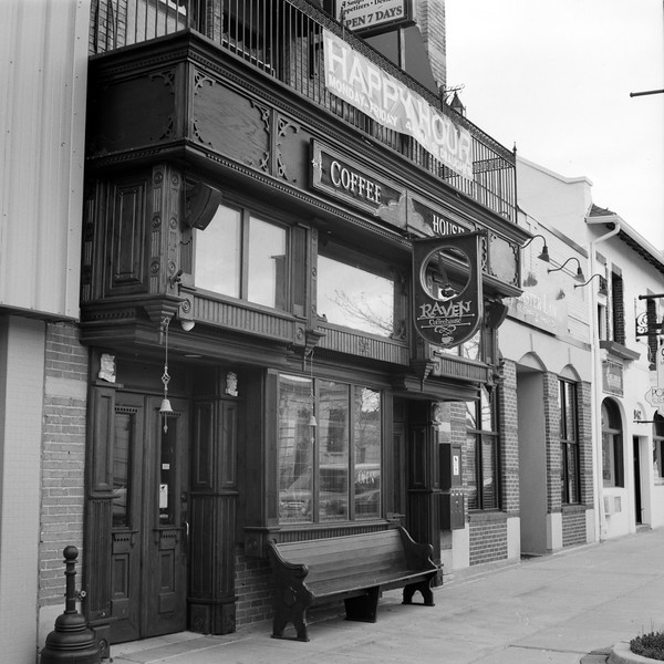 Raven Coffee Shop & Cafe'