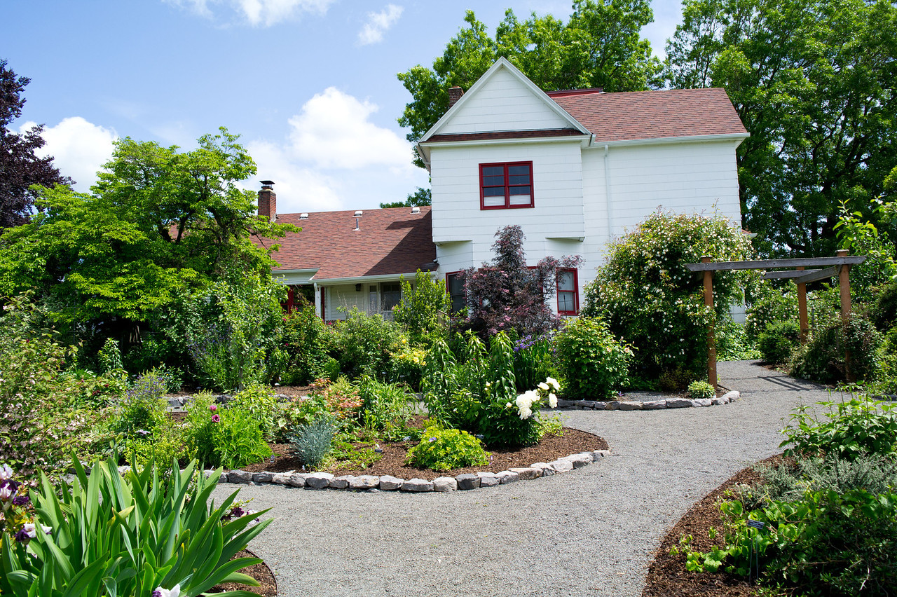 2214 Luscher Farm
